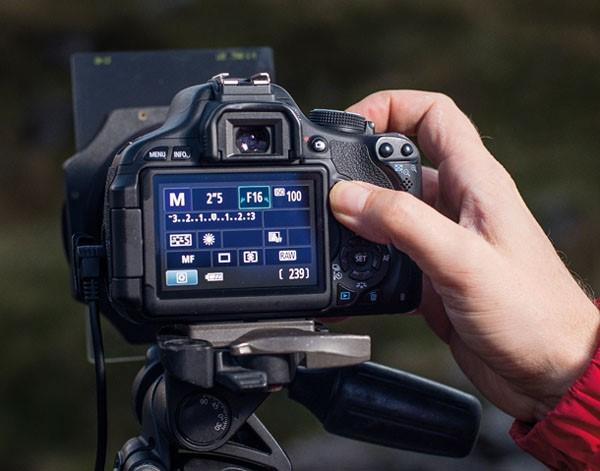 دوربین عکاسی , عکاسی , نکات عکاسی , هیستوگرام , نور پردازی در عکاسی , لنز دوربین عکاسی , عکاسی با موبایل ,عکاس , نورسنج نقطه ای دوربین